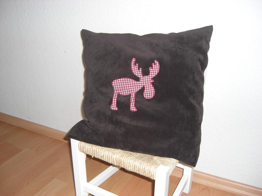 weihnachten kissen elch rot lotte und leo. Black Bedroom Furniture Sets. Home Design Ideas